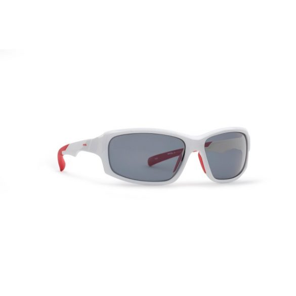 INVU polarizált férfi napszemüveg A2906 D