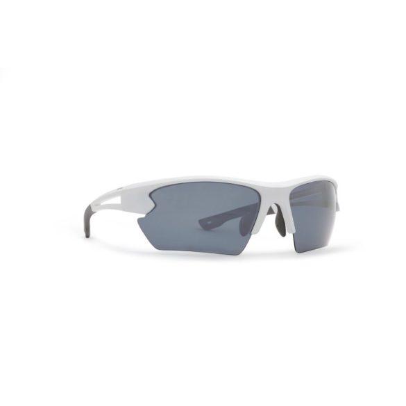 INVU polarizált férfi napszemüveg A2912 B